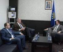 Ministri Krasniqi: Mbështetje për sektorët potencial të bujqësisë në Istog dhe Junik