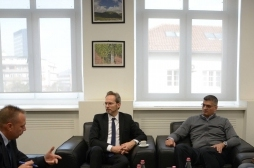 Ministar Rikalo se sastao sa austrijskim ambasadorom Gernotom Falanderom i šefom Koordinacione kancelarije ADA